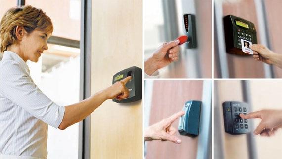 Lắp đặt máy chấm công, hệ thống kiểm soát cửa ra vào bằng thẻ từ, vân tay, mật mã